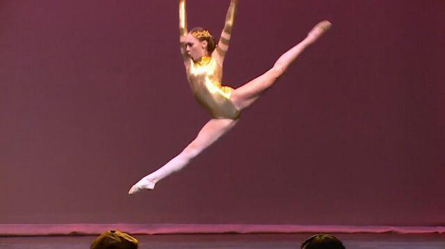 File:604 Maddie on Stage.jpg