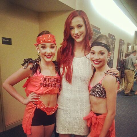 File:Kendall and Maddie with Taylor Ackerman.jpg