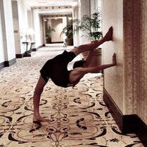 Nick Daniels-Instagram-Stretch06