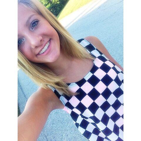 File:Paige checkerboard 2014-06-27.jpg