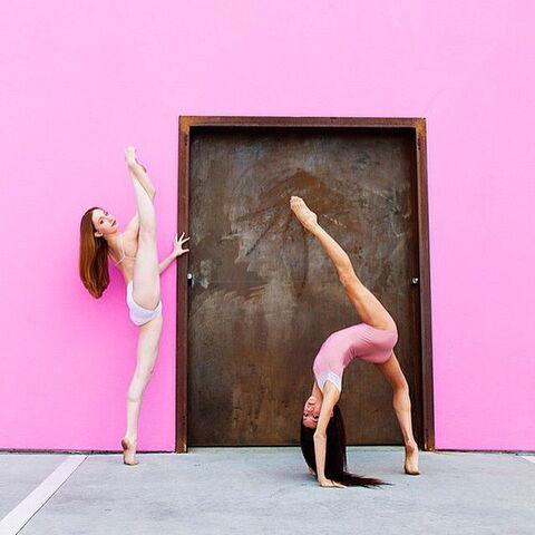 File:Chloe and Tessa photoshoot 2015.jpg