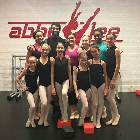 File:711 Girls in ballet class.jpg