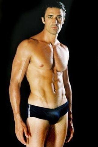 File:Gilles-marini-ni-shirtless-with-black-underwear-all-people-photo-u1.jpg