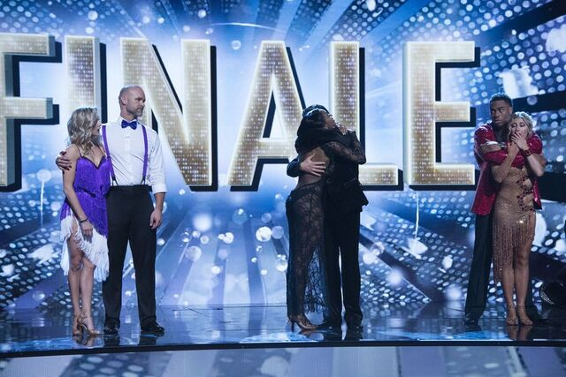 File:S24 Week 10 Finale Night 2 Elimination 3.jpg