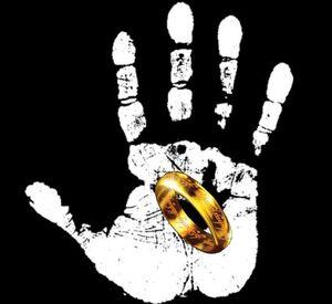 White-hand-one-ring2