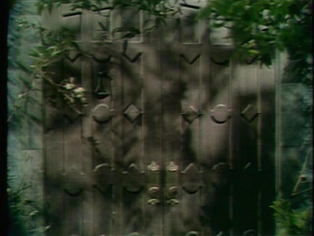 File:Collinwood-Front door-Outside.jpg