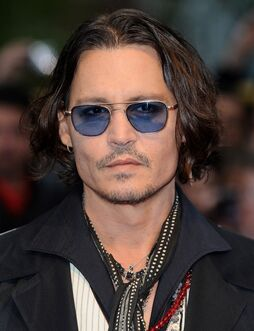 Johnny-depp-uk-premiere-dark-shadows-01