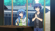 Shido and Yoshino praying