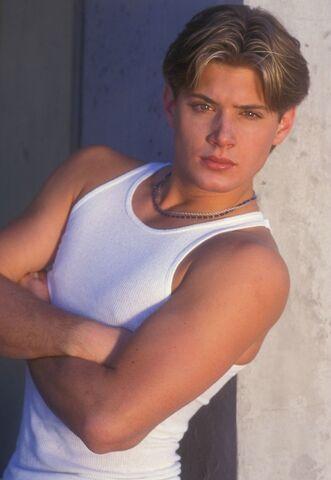 File:Jensen Ackley 1999 by Barry King-01.jpg
