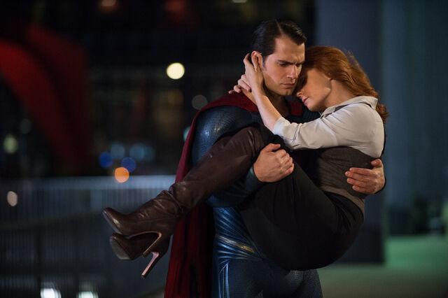 File:Superman carrying Lois Lane.jpg