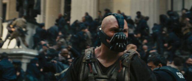 File:Tom-hardy-as-bane-in-the-dark-knight-rises.jpg