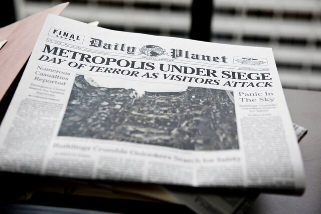 File:Daily Planet newspaper.jpg