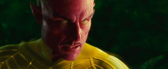 File:Sinestro-3524.jpg