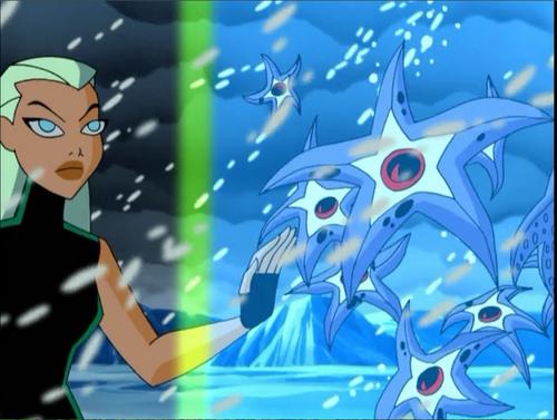 File:Aquagirl and Starros.png