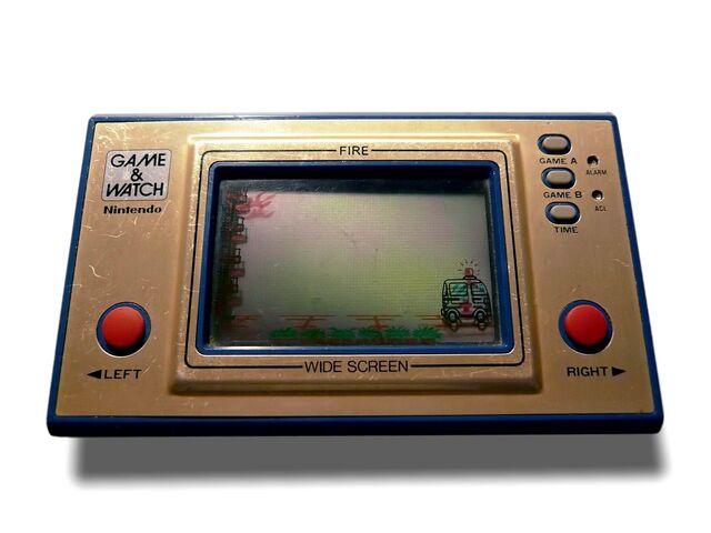 Datei:Game & Watch Fire Widescreen.jpg