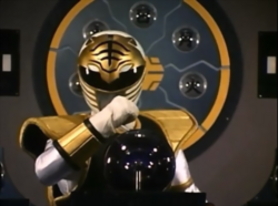 Power Rangers - Tommy Oliver inside The White Tigerzord's cockpit