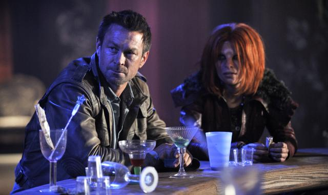 File:Nolan and Irisa at NeedWant Bar.JPG