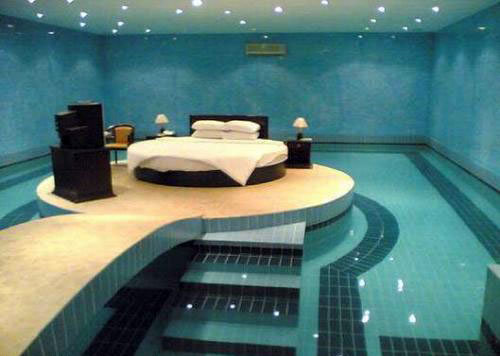 File:Bedroom-pool-facebook.jpg