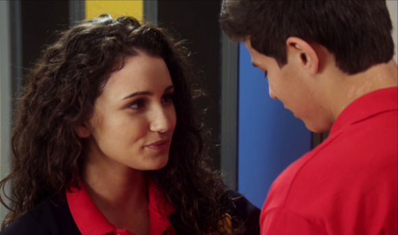 File:Bianca And Drew At School At The Lockers In Their Uniforms.jpg