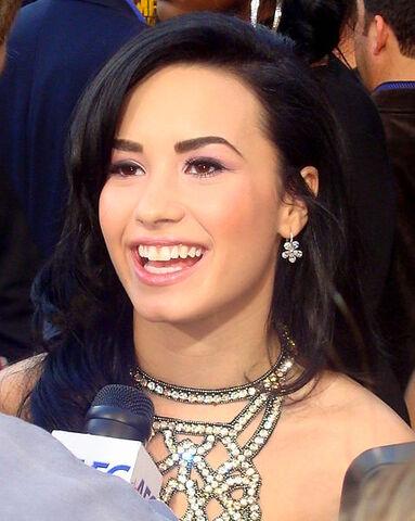 File:478px-Demi Lovato 2, (Cropped).jpg