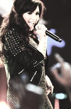 File:Demi-Lovato.png