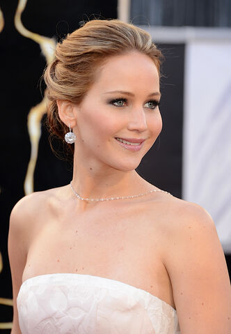 File:Jennifer-lawrence-2013-academy-awards.jpeg