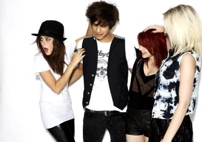 File:Effy, Emily, Freddie, Naomi..jpg