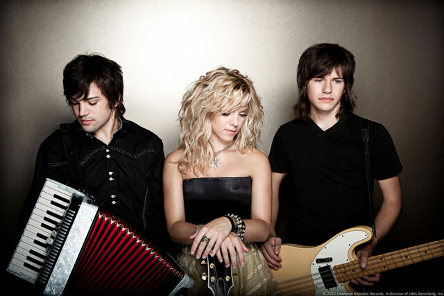File:The Band Perry - Banner 1.jpg