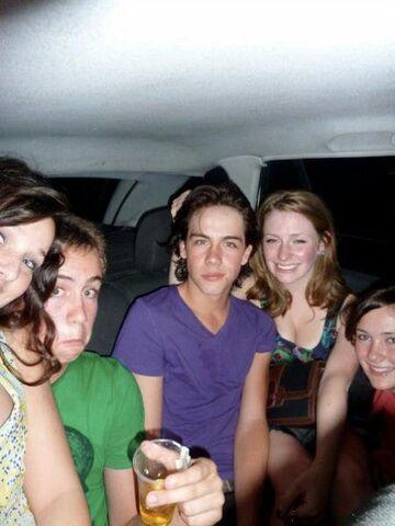 File:Sammi and her friends!.jpg