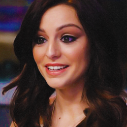File:Wiki Friend Icons - Maddy as Cher.png