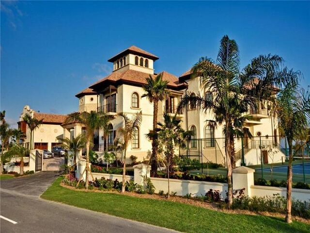 File:Giant-mansion-in-the-cayman-islands.jpg
