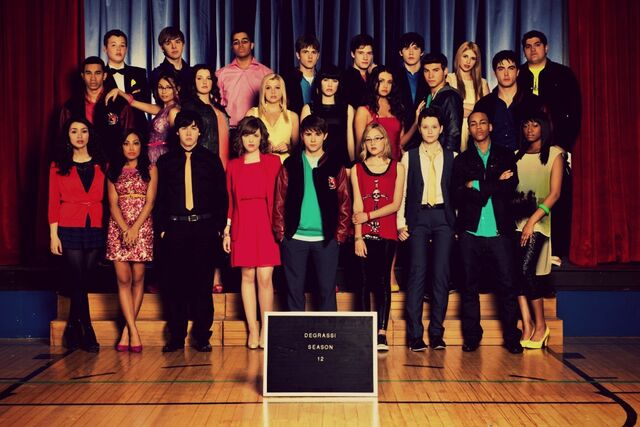 File:Degrassi-Season-12-cast.jpg