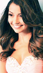 File:Cristine Prosperi queen photo set - 4.jpg