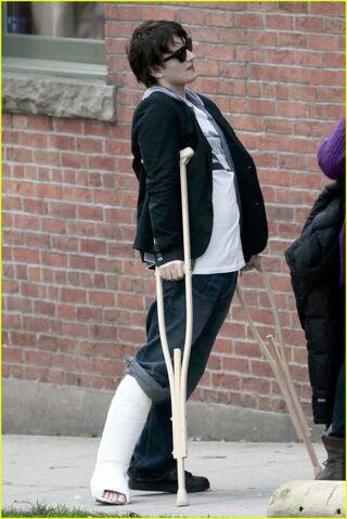 File:Landon's Broken Leg.jpg