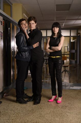 File:Katie gets jealous because her boyfriend is in love with her ex. jake and drew are so in love.jpg