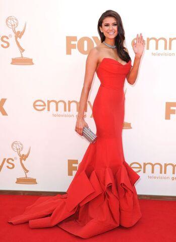 File:Nina-dobrev-primetime-emmy-awards-red-dress-red-carpet-2011-8.jpg