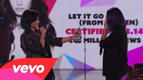 Demi Lovato - Fan Award Presentation (Vevo Certified SuperFanFest)