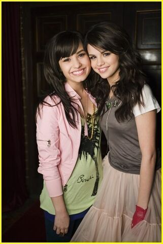 File:Selena-n-demi-selena-n-demi-one-n-the-same-12692910-335-500.jpg