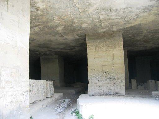 Fichier:Caves.jpg