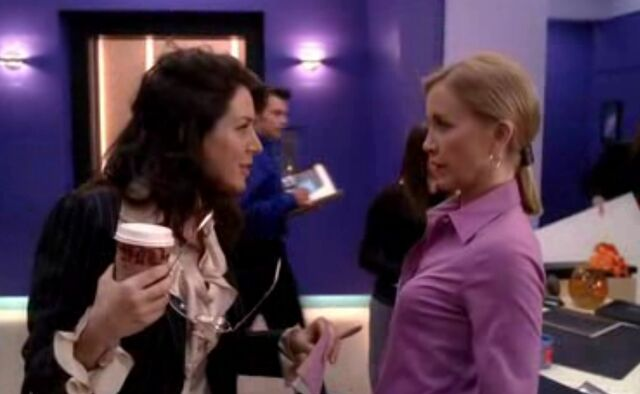 File:2x05 - Nina is relaxed.jpg