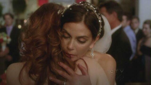 File:Katherine and Susan hug.jpg