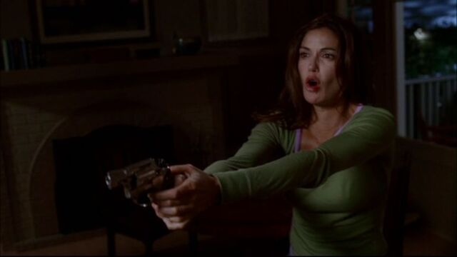 File:Susan with gun.jpg