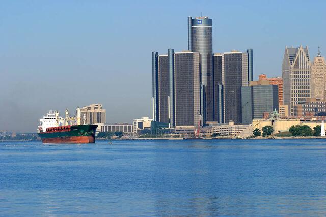 File:Detroit-RenCen-River.jpg