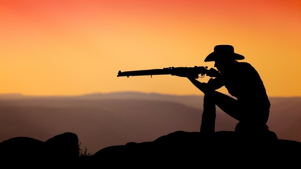 File:Sunsets photography cowboys rifles shooting 1600x900 wallpaper wallpaperswa.com 3.jpg