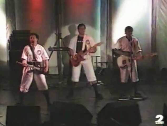 File:DEVOoutfits1990tour.png