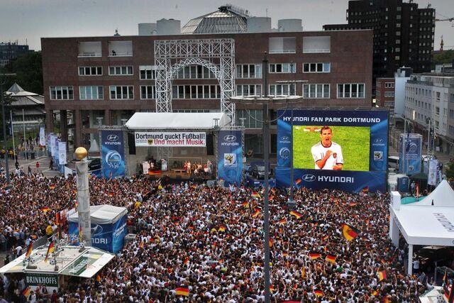 Datei:DortmundPublicViewing.jpg