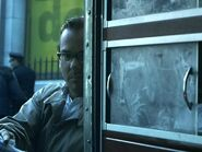 Kiefer-in-Phone-Booth-kiefer-sutherland-15480031-720-540