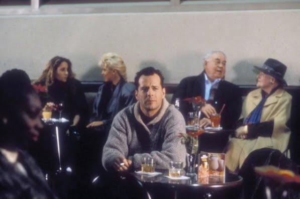 File:Die Hard 2 - Relaxing at the bar.jpg