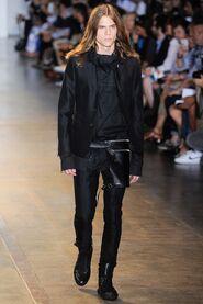 SS16-Milan-Mens-Black-Gold-catwalk-32