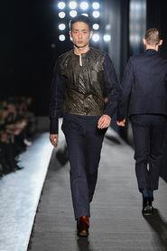 FW13-Milan-Mens-Black-Gold-catwalk-16